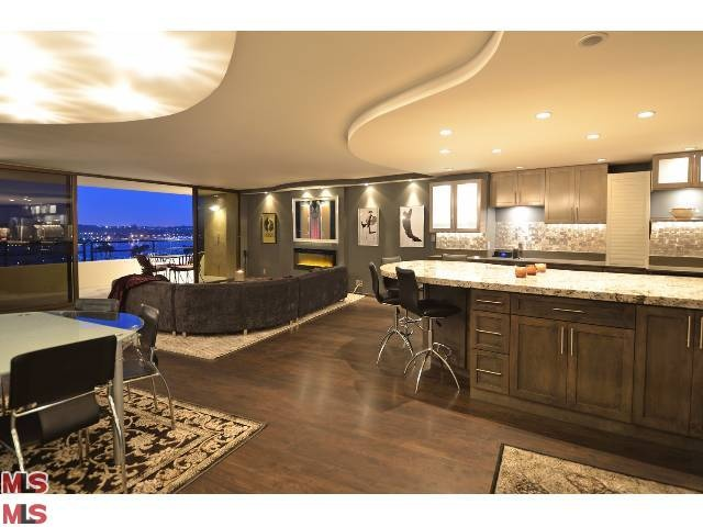 Marina city drive 2 br apartment marina del rey los for Marina del rey apartments for sale